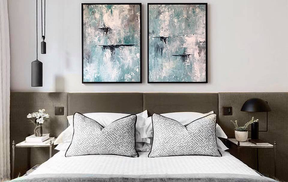 Bring in the sea breeze freshness into your homes by adding artwork full of shades of blues.