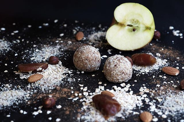 This could be your power snack. Made fresh daily! #cinna-apple #willpowerwednesday #healthme #proteinsfromgreens #baden #badenist.fit #youarewhatyoueat #superfood #supportswissfarmers #plantbased #behealthygetactive #switzerland #rawvegan