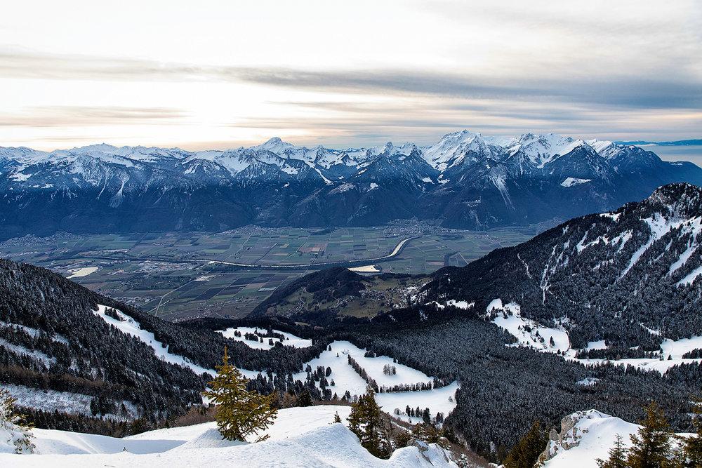 Swiss-181218-winterland-0193.jpg