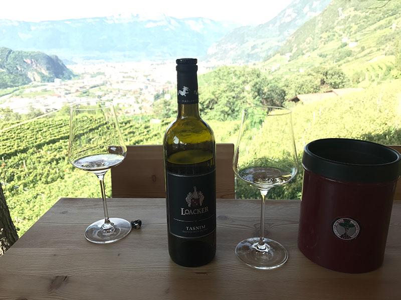 1)-Wine-tasting.jpg