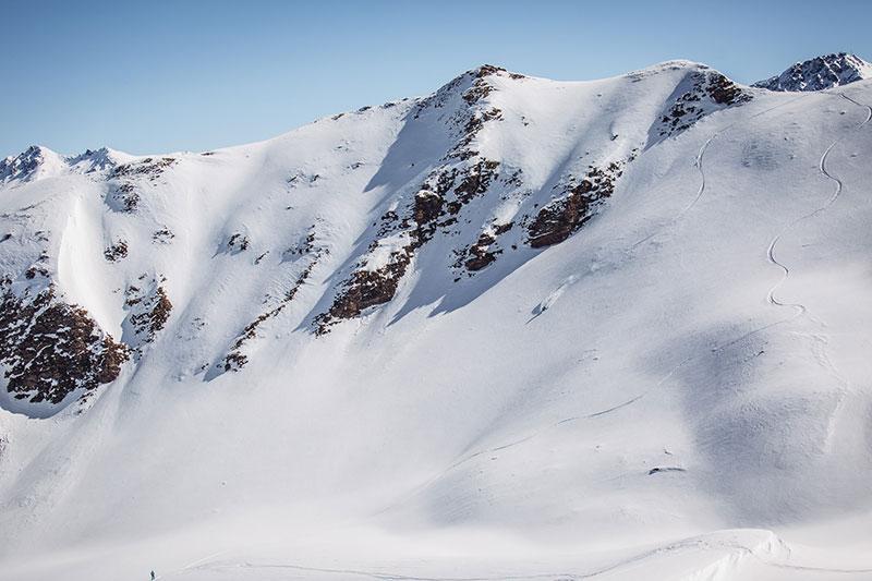 Epic-Lenzerheide-off-piste-skier-1.jpg