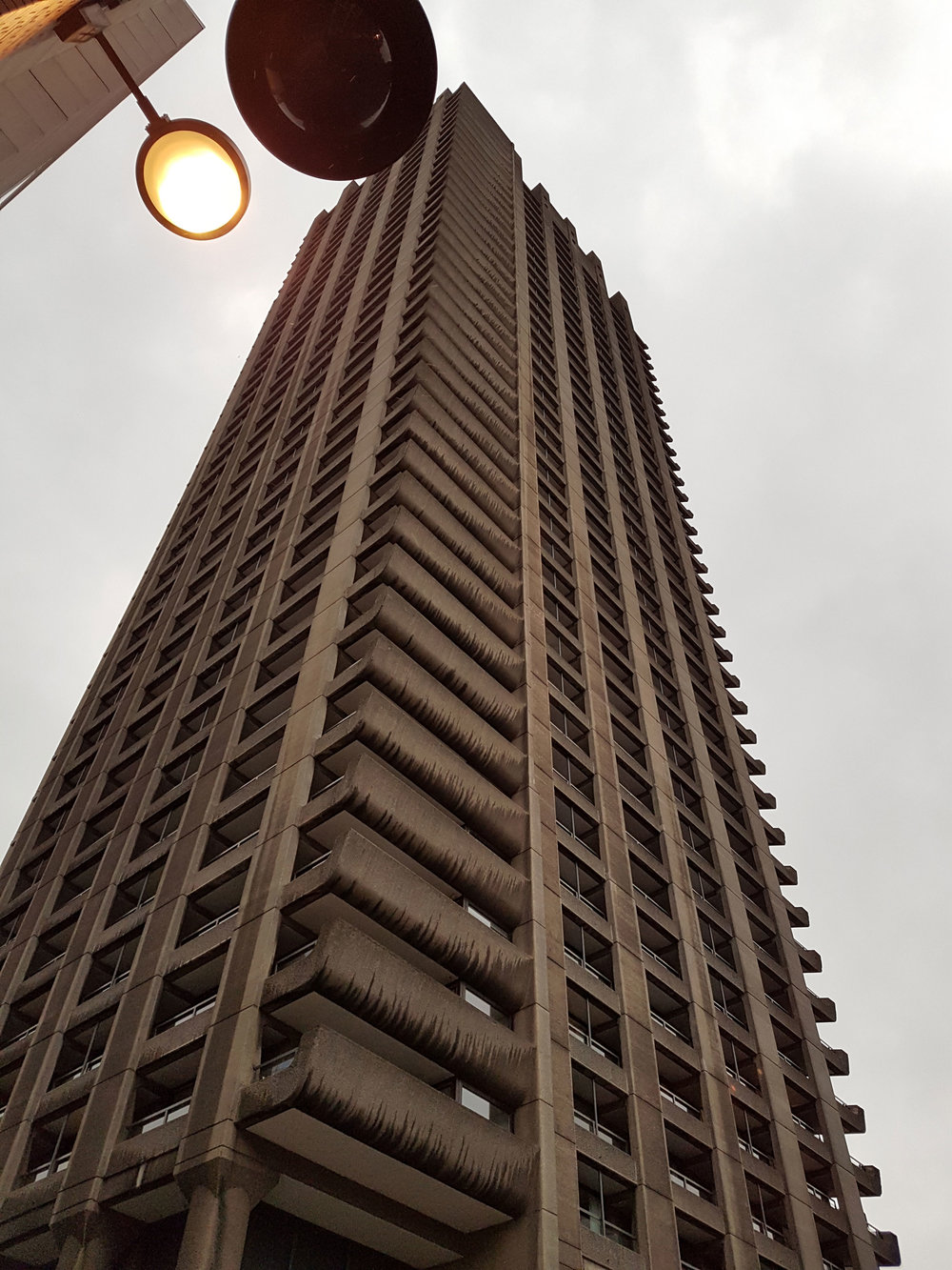 Burns, R. (2017) Shakespear Tower, Barbican Estate. (Own collection)
