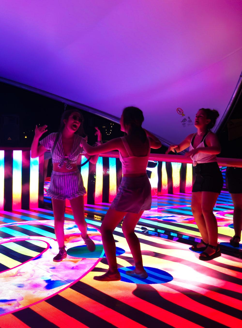 activefloor-asics-lollapalooza-dancing7.jpg