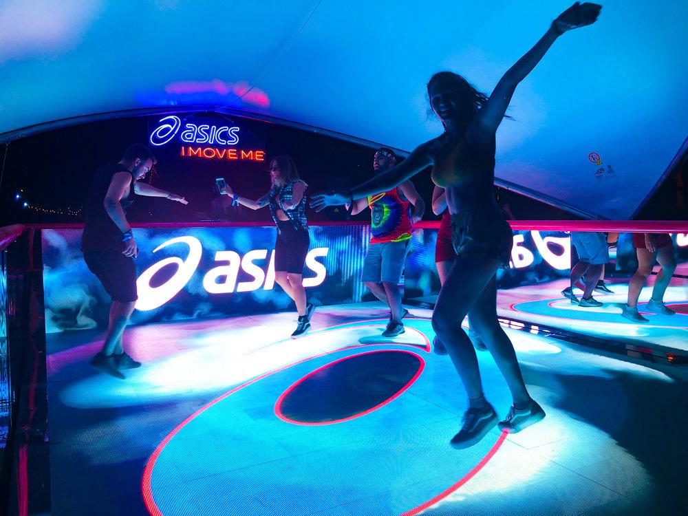 activefloor-asics-lollapalooza-dancing9.jpg