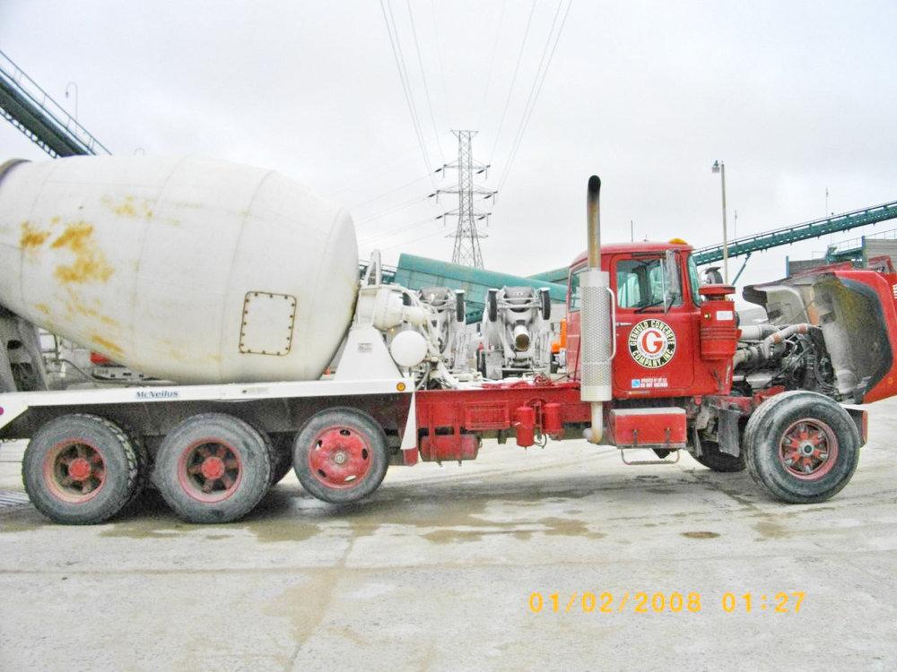 13377 – 1999 Mack-3.jpg