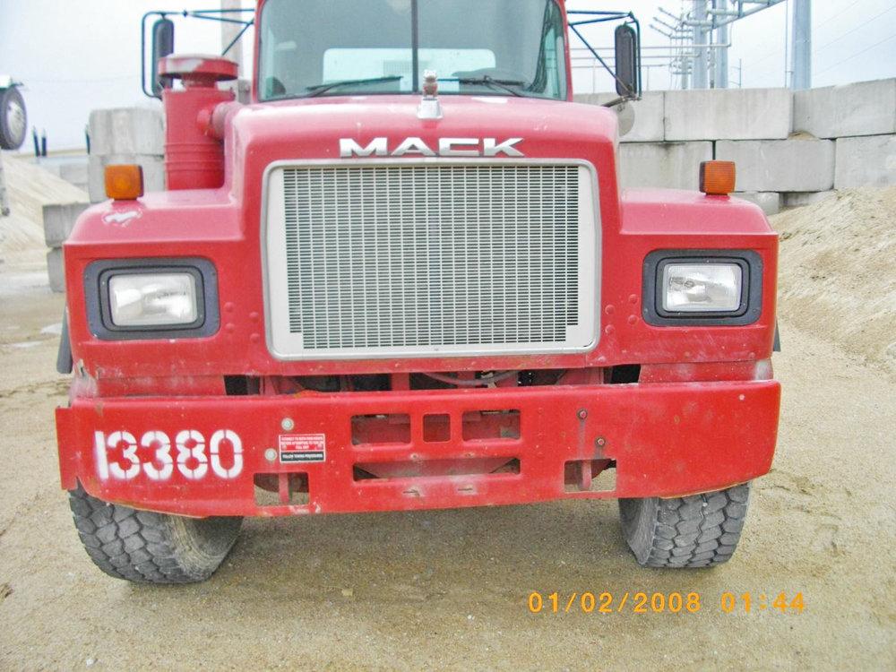 13380 – 1999 Mack-1.jpg