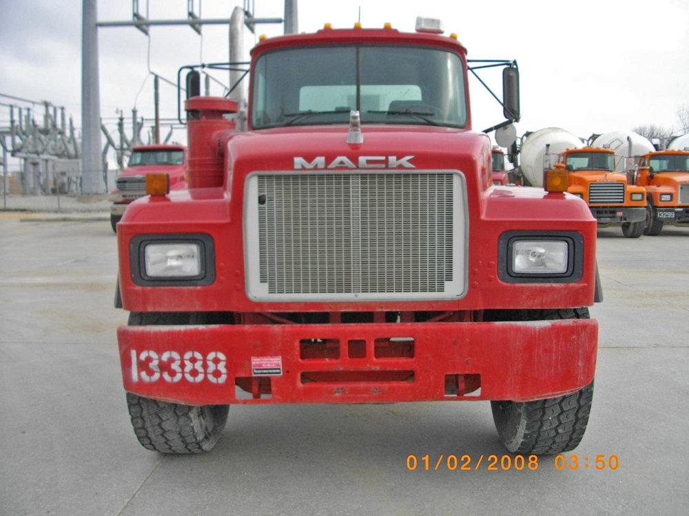 13388 – 1999 Mack-1.jpg