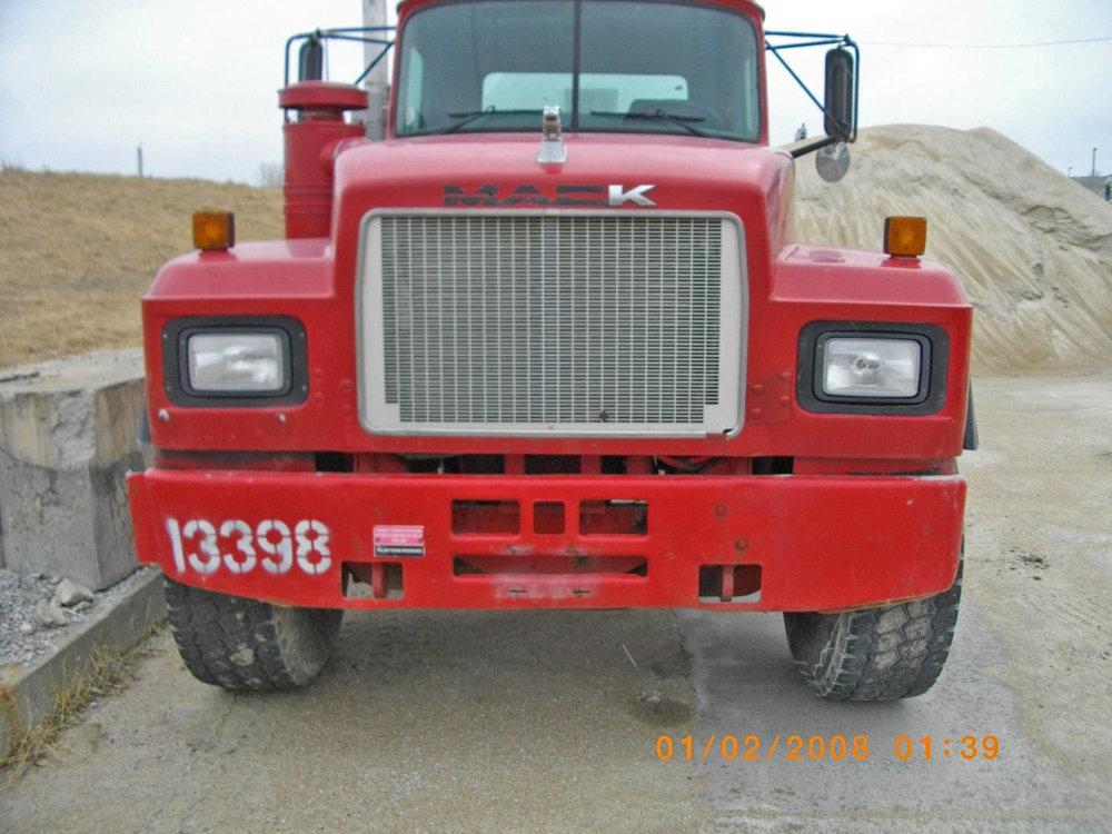 13398 – 2000 Mack-1.jpg