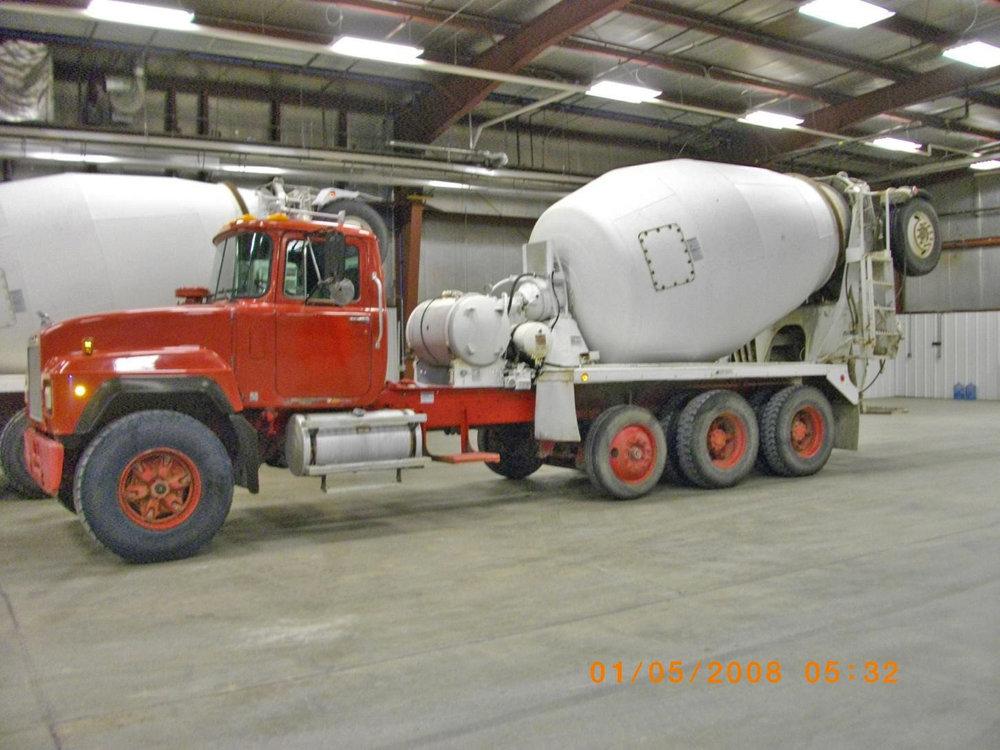 13434 – 2001 Mack-2.jpg