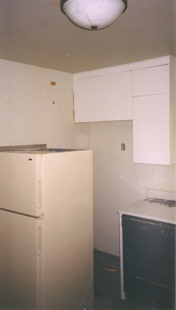 Kitchen After 2004 01.jpg