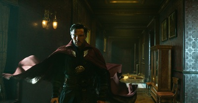 doctor-strange-movie-cumberbatch-cape.jpg