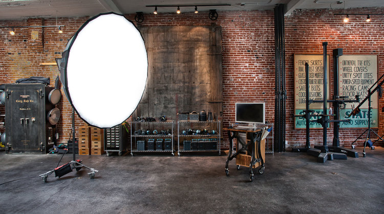 - The workshop is held in the 2 story 6,000 square ft RGG EDU world headquarters. The space is perfect for large events, photoshoots, and has amenities to have 3-4 large photoshoots happening at once for up to 40 people.