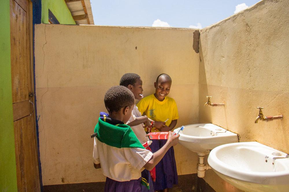 school_toothbrushing_kikavu