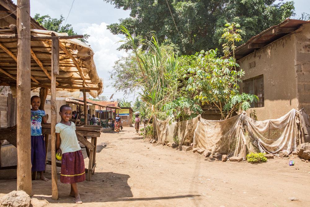 children_in_kikavu_tanzania