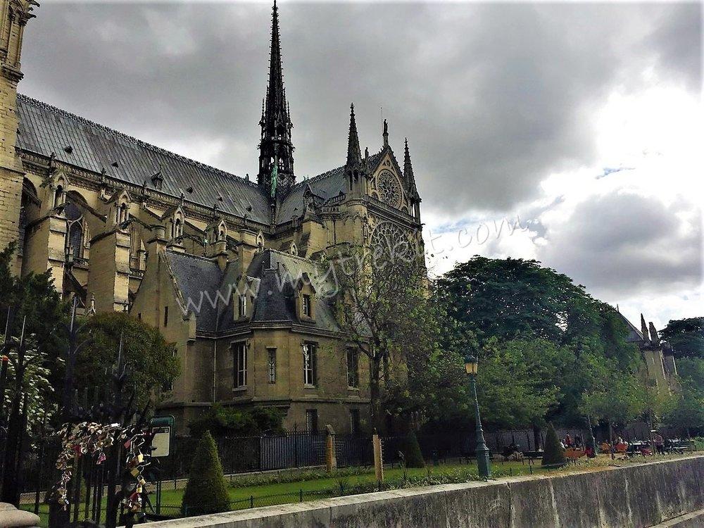 Notre Dame exteriors (2).JPG