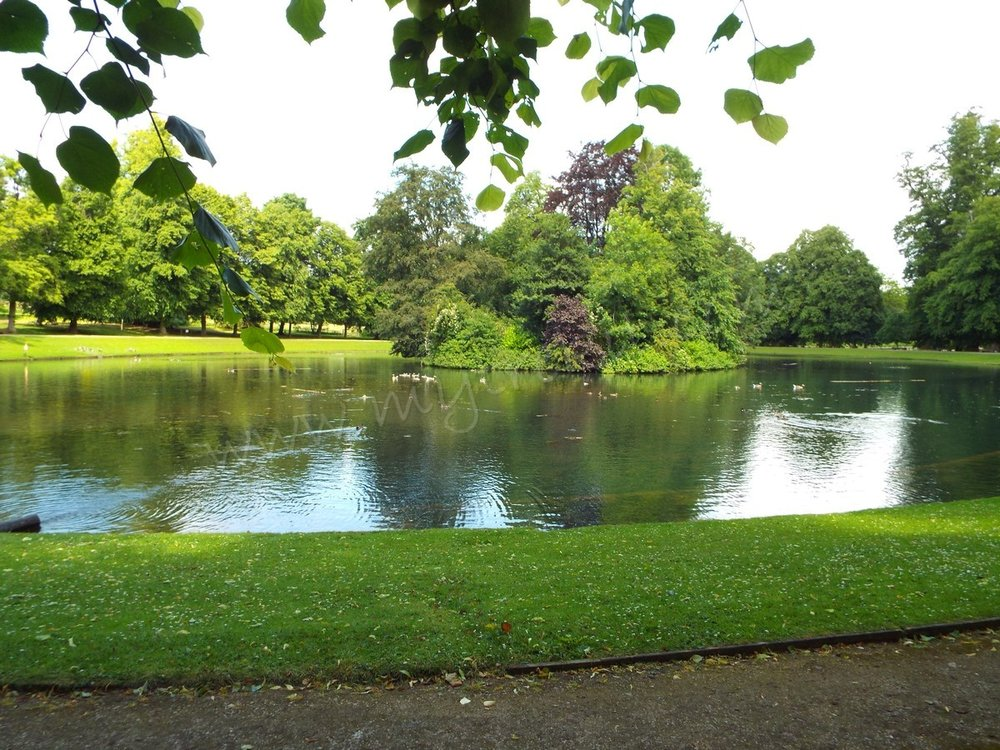 Althorp's Oval Lake, where the late Princess of wales is buried.