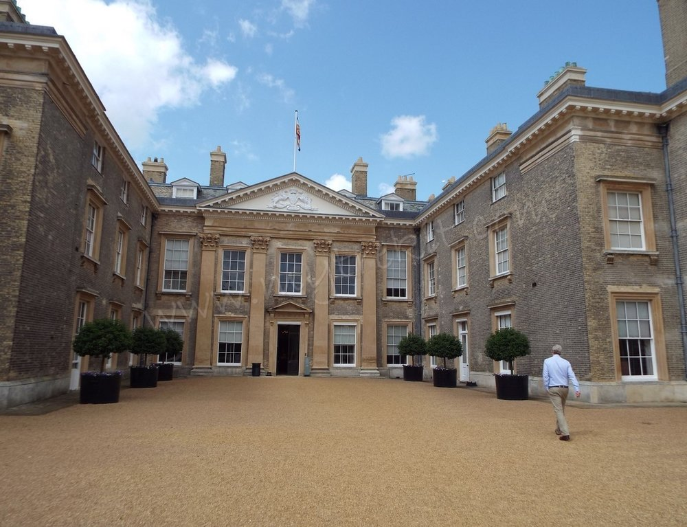 Charles, Earl Spencer, retires back to the comforts of his ancestral home of Althorp, in northamptonshire, England.