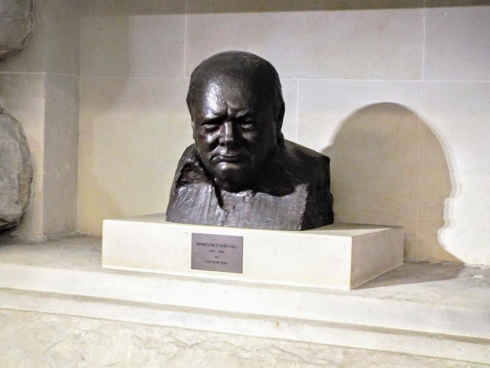 Churchill-War-Rooms-bust.JPG