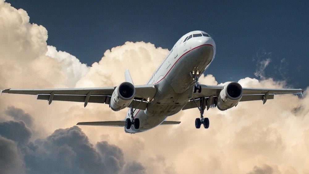 aircraft-jet-landing-cloud-46148 (2).jpg
