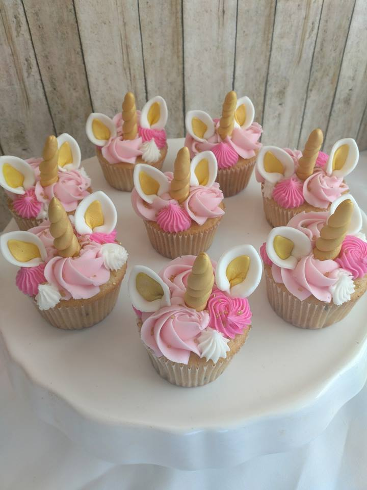 unicrn cupcakes.jpg