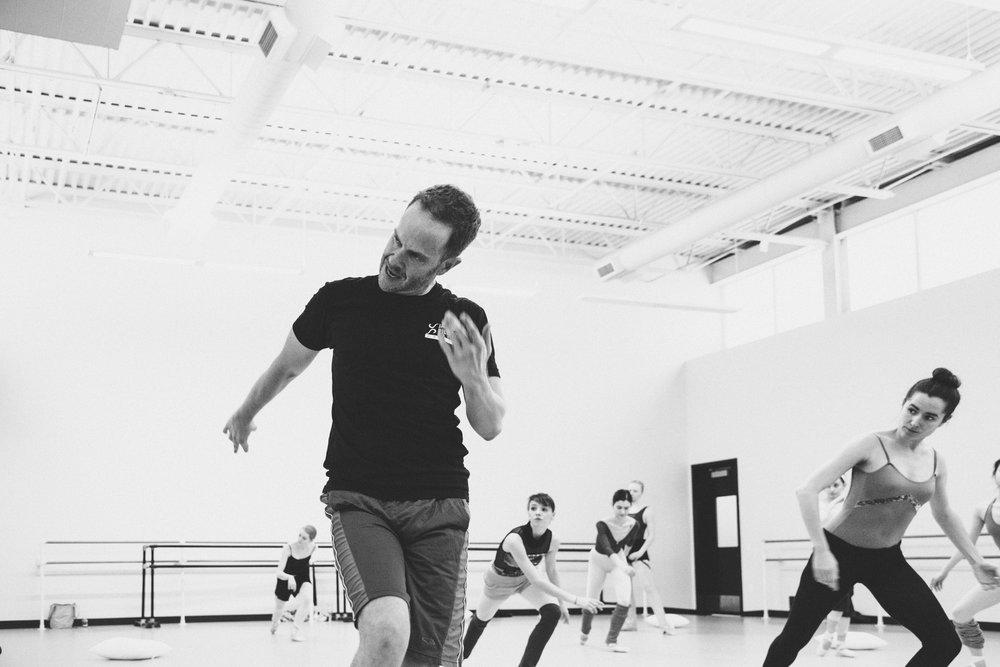 Choreographer Matthew Neenan with Artists of Pennsylvania Ballet © Vikki Sloviter