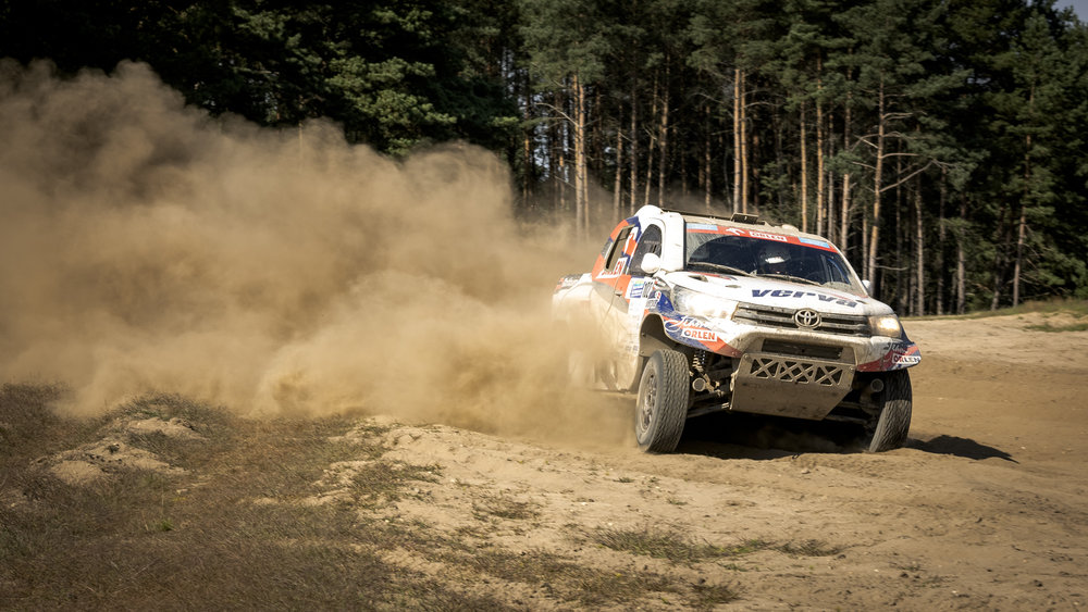 Marek Dąbrowski and Jacek Czachor (Toyota Hilux Overdrive)