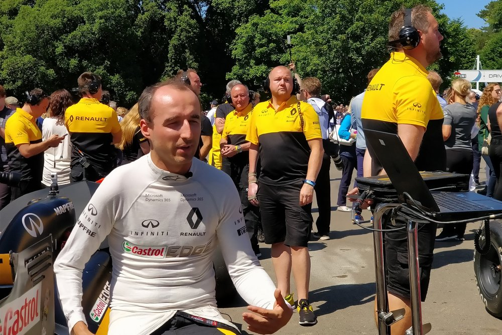Robert Kubica at Goodwood FOS, 2.0x zoom