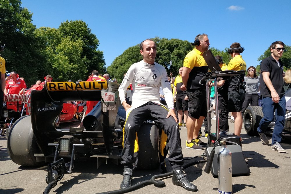 Robert Kubica at Goodwood FOS, 1.0x zoom