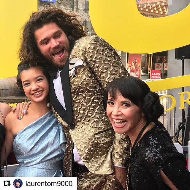 Loved making up the gorgeous @laurentom9000 for the Star War's premiere last night. ❤️#hairandmakeupbyme #princessleiabuns using @trangformationlashes  #Repost @laurentom9000 with @get_repost ・・・ Got my #princessleia buns on for the #hansolo #starwars premiere last night! It's a great movie, see it if you can! 1. W/ @peytonelizabethlee @trentkgarrett 2. w/ @aldenehrenreichofficial (the new Han!) and my son's, @oliver.kaplan & @leokaplan25  3. @joshuarush @stonesoupla @emilyskinner__ 4. w/ #milleniumfalcon Hair and make-up by the amazing @tuyenttran 5. my kids, 6. @trentkgarrett 7. w/ @joonassuotamo (the new Chewie!), and the gang. #celebrityhairstylist #celebritymakeupartist #hair #makeup #redcarpet