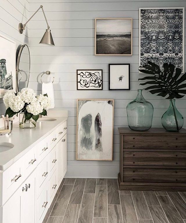 Shades of grey | regram @hgtv . . . #chandelier #lighting #lamp #homedecor #design #architecture #homedesign #housetour #homerenovation #interiordesign #interior123 #whitedecor #interior #interiorstyle #interiordecorating #interiordesire #architecturelovers #architecturephotography #bathroomdesign #wallsconce #bathroomfixtures #pendant #moderndesign #bathroom #bathroomdecor #contemporary #traditionaldesign