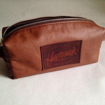 LEATHER TOILETRY BAG, BROWN -