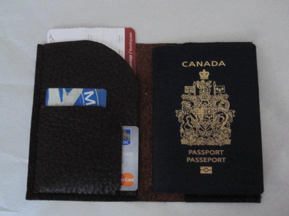 LEATHER PASSPORT CASE, BLACK -