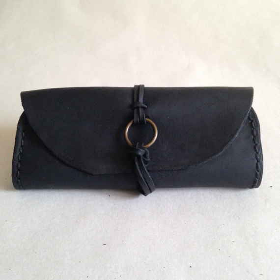 LEATHER TOBACCO POUCH, BLACK  -