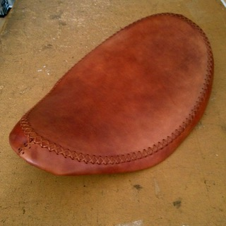 HAND-LACED SOLO SEAT -