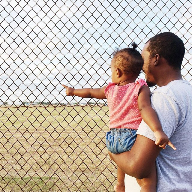 Plane spotting with my favourite people. ☺️💕