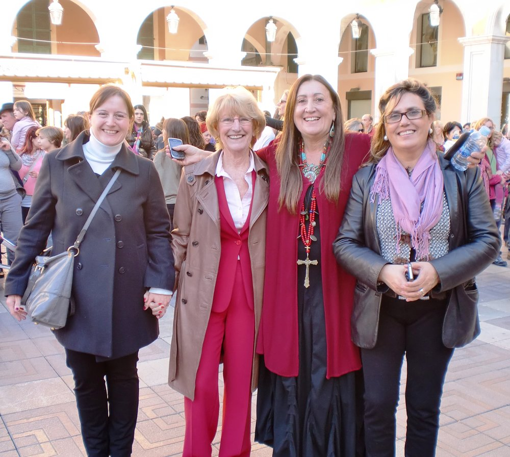 Lynne organises 1 Billion Rising Palma de Mallorca, with local women politicians