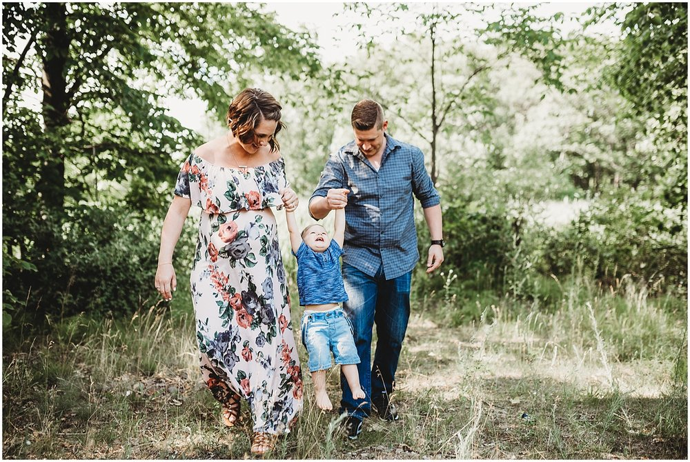 lifestyle family maternity session | michigan lifestyle photographer