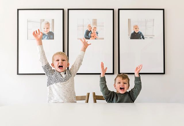 You guysssssss...THEY'RE UP!!!! 🎉 🤩So many of you asked for an update on our Framebridge experience, so if you're curious - head on over to the blog to read (and see!) more. Link is in my bio! 🖼 . . . . #365daysofhudsonandhuey #framebridge #littlestoriesofmylife #ontheblog #dailydecordose #b1withboys #momsofinstagram #cameramama #heyhomehey #snaplovegrow #pursuepretty #mommybloggers #theeverygirl #lifestyleblog #theeverydaygirlathome #discoverunder10k #inspiremyinstagram #charminghomes #thisishome #currenthomeview #howihome #howwedwell #visualcrush #myhomevibe #happyinsta #thevisualscollective #instainteriors #interiorinstagram #decorideas