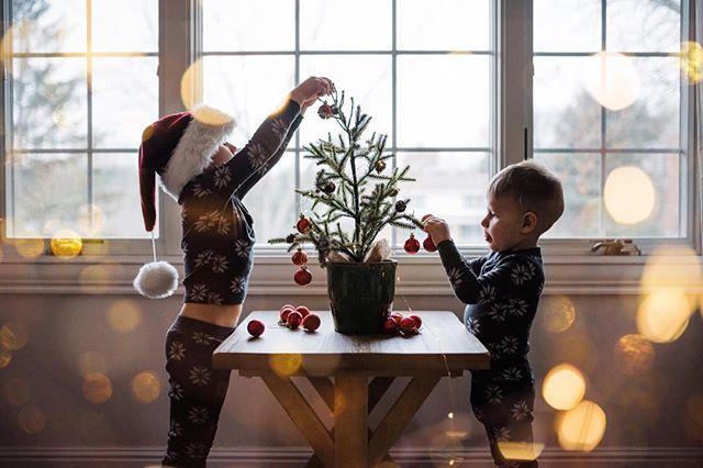 Gettin' festive in this mother! 🎉🎄✨ . . . . #totm_DecemberChallenge #t_c_c_red #cm_bokeh2 #csm_festive #cw_magical #cys_bokeh #fam_decorations #honestly_twinkle #ltbd_gold #mfm_celebrate #mmm_holidayvibes #oem_holidaytraditions #sj_sparkle #tsj_pajamas #ak_001 #moc_093 #mom_hub1130 #sc_theme310 #whpme #2018CMP52 #becDECChallenge #clickinmoms_holiday #ccc_red #documentyourdays_jolly #dv_holidaycheer #kotl_festive #napcpCheer #p52clicks #ri_holiday #tgol_lowlight