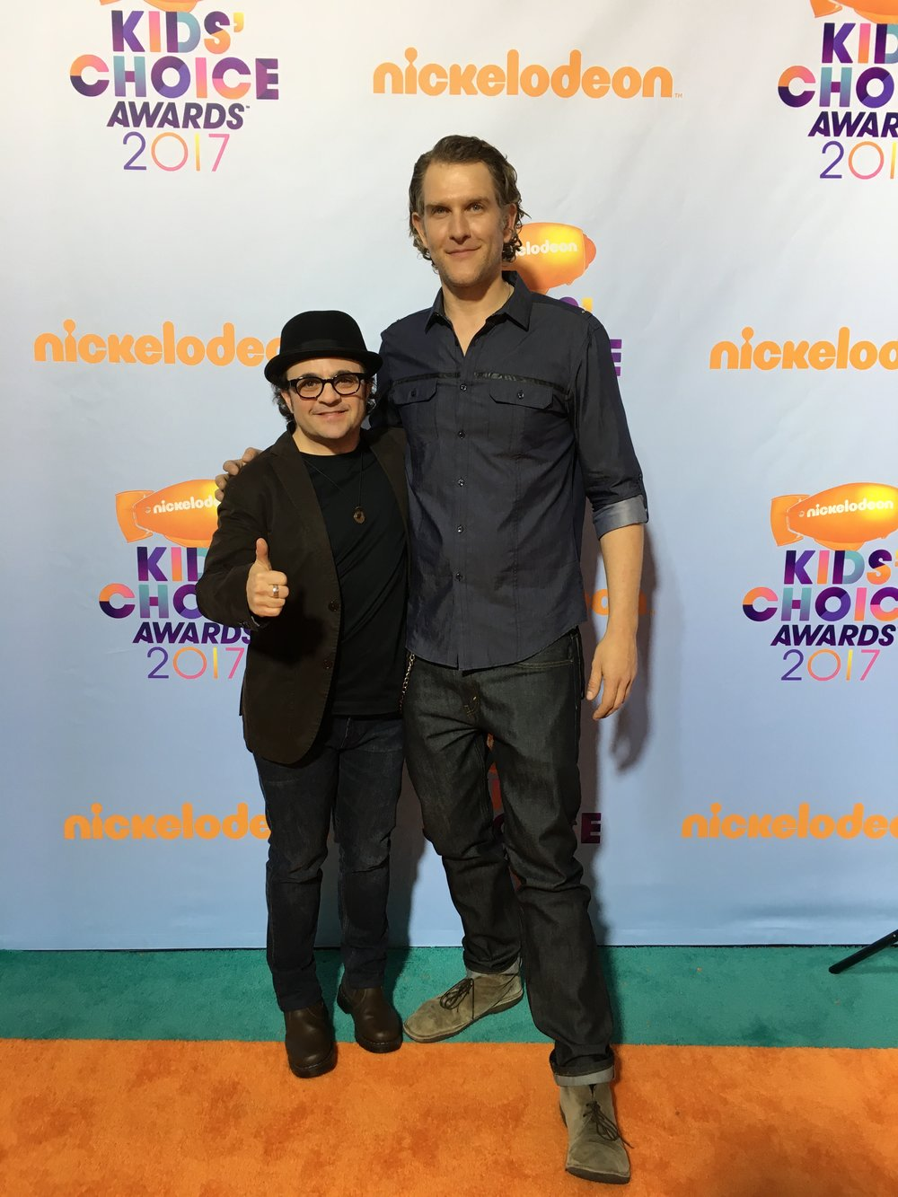 Orange carpet Kids Choice Awards 2017 with the talented and charming Michael Cohen.
