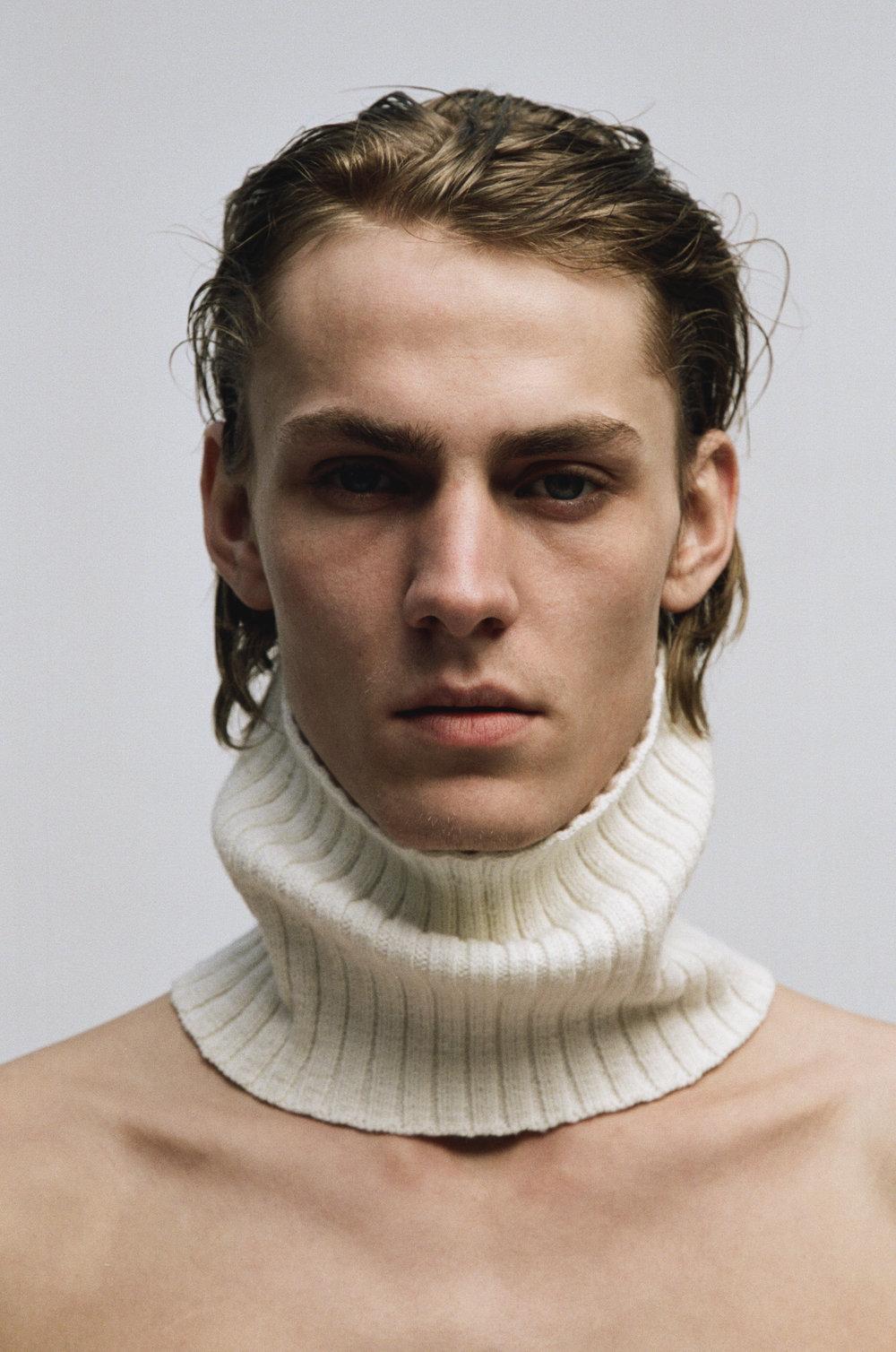 Fabien-Kruszelnicki-Ludovic-de-Saint-Sernin-Ansinth_Page_04_Image_0003.jpg