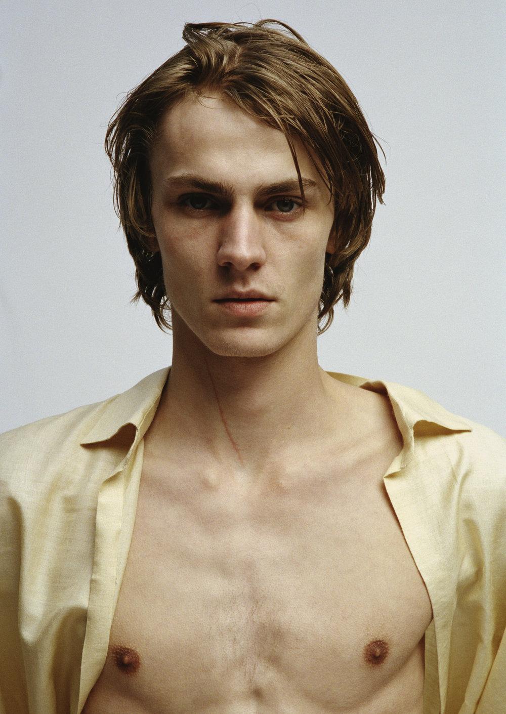 Fabien-Kruszelnicki-Ludovic-de-Saint-Sernin-Ansinth_Page_06_Image_0003.jpg