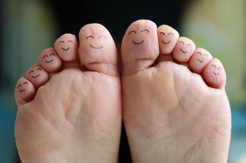 31530375_M_Feet_smiley Face on toes_Bottom foot.jpg