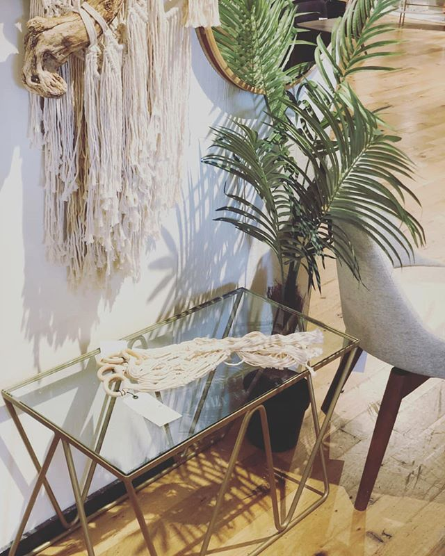 Our West Elm table at their South Coast Plaza location. • • • • #westelmlocal #westelm #westelmoc #westelmcostamesa #customwork #customtable #furnituredesign #furniture #designer #thenewbohemians #interiors #fineinteriors #table #antiquebrass #modernboho #bohostyle #chic #style #radweldcustoms #midcenturymodern