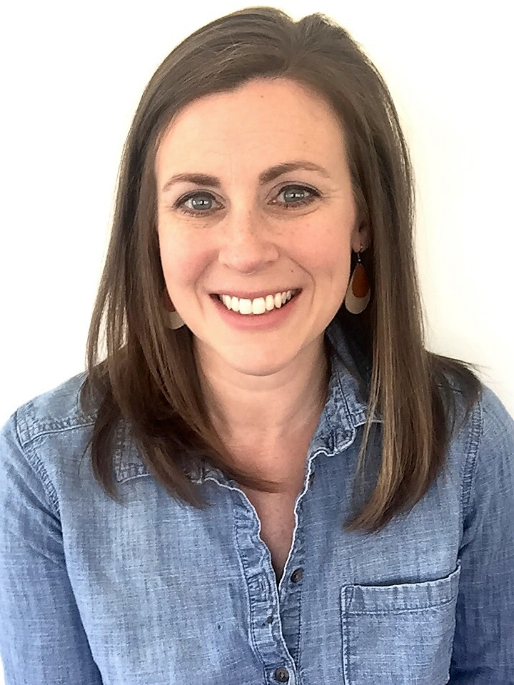 Lauren Washer Headshot.jpg