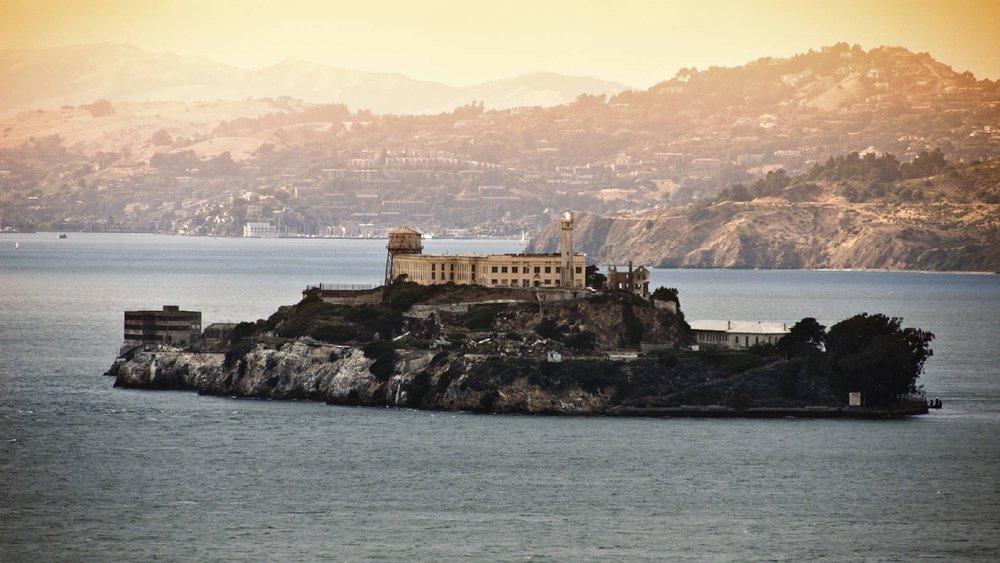 Alcatraz_iStock_000012379929.jpg