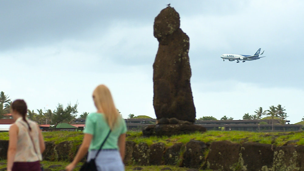 EE_Frame-Moai and Airplane_export.jpg