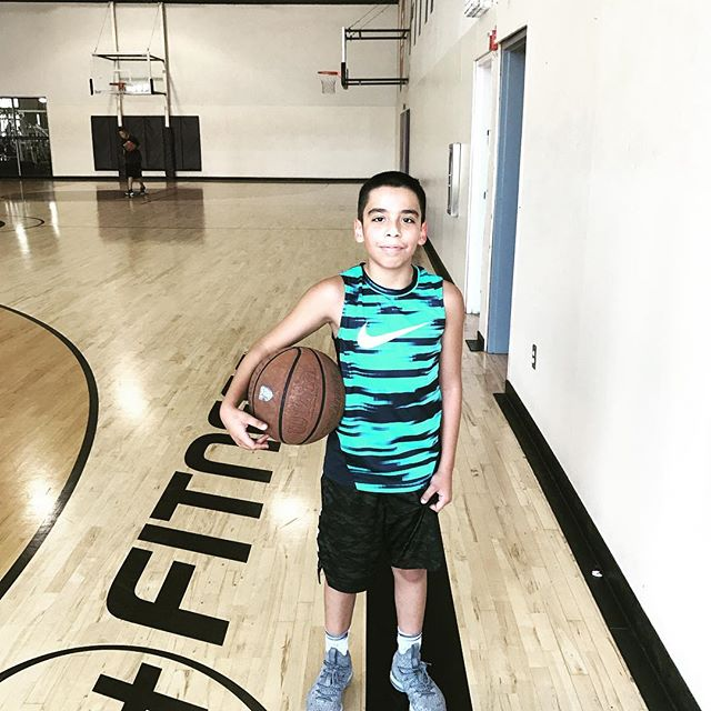 Lil man ... @giosgotgame  Played with big dogs today ! Held his own 5 points and a block 💪🏼😆!! Fun day ! Getting up shots !  @24hourfitness  #hitsvillebasketball #hitsvillehoops #hitsvilleallday #basketball #hoops #bball #ballislife #work #skills #training #confidence #consistency #effort #efficiency #coach #nike #determined #youth #sgv #rosemead #la #montebello #thankful #athletes #blessed #🏀
