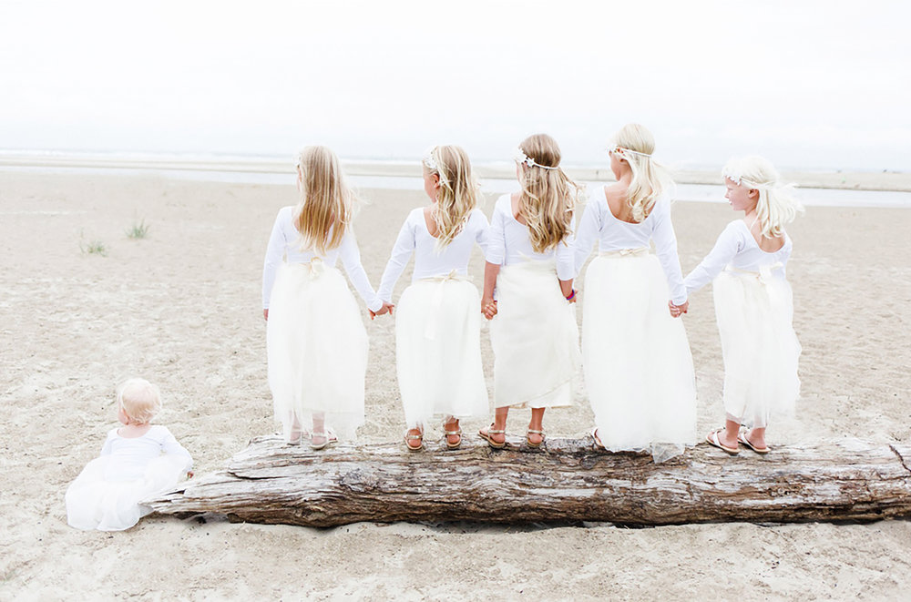 Jenni_Kupelian_Oregon_Coast_Bohemian_Wedding_Flower_Girls.jpg