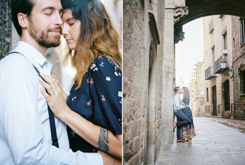 CamillaCosmePhotography_BarcelonaGothicQuarterEngagementSession_21.jpg